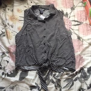 Hot topic striped button up tie front blouse